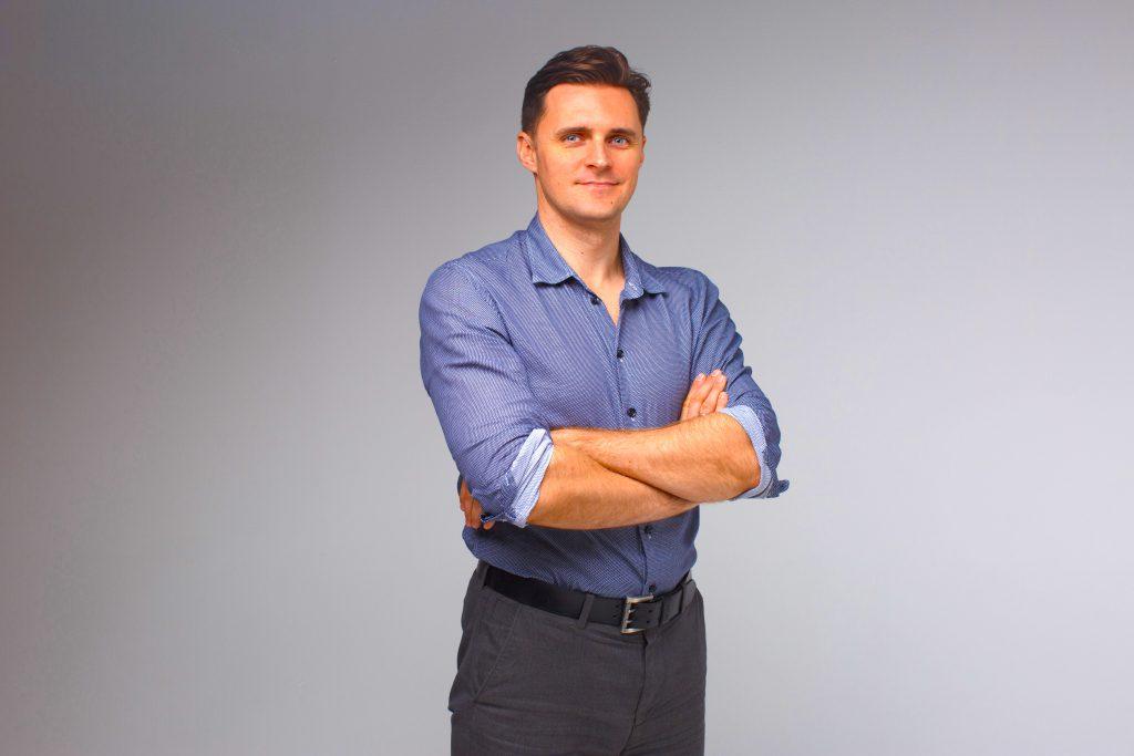директор Центра выдачи электронных подписей    «ЭЦПЛЕГКО» Фартушный Александр Сергеевич